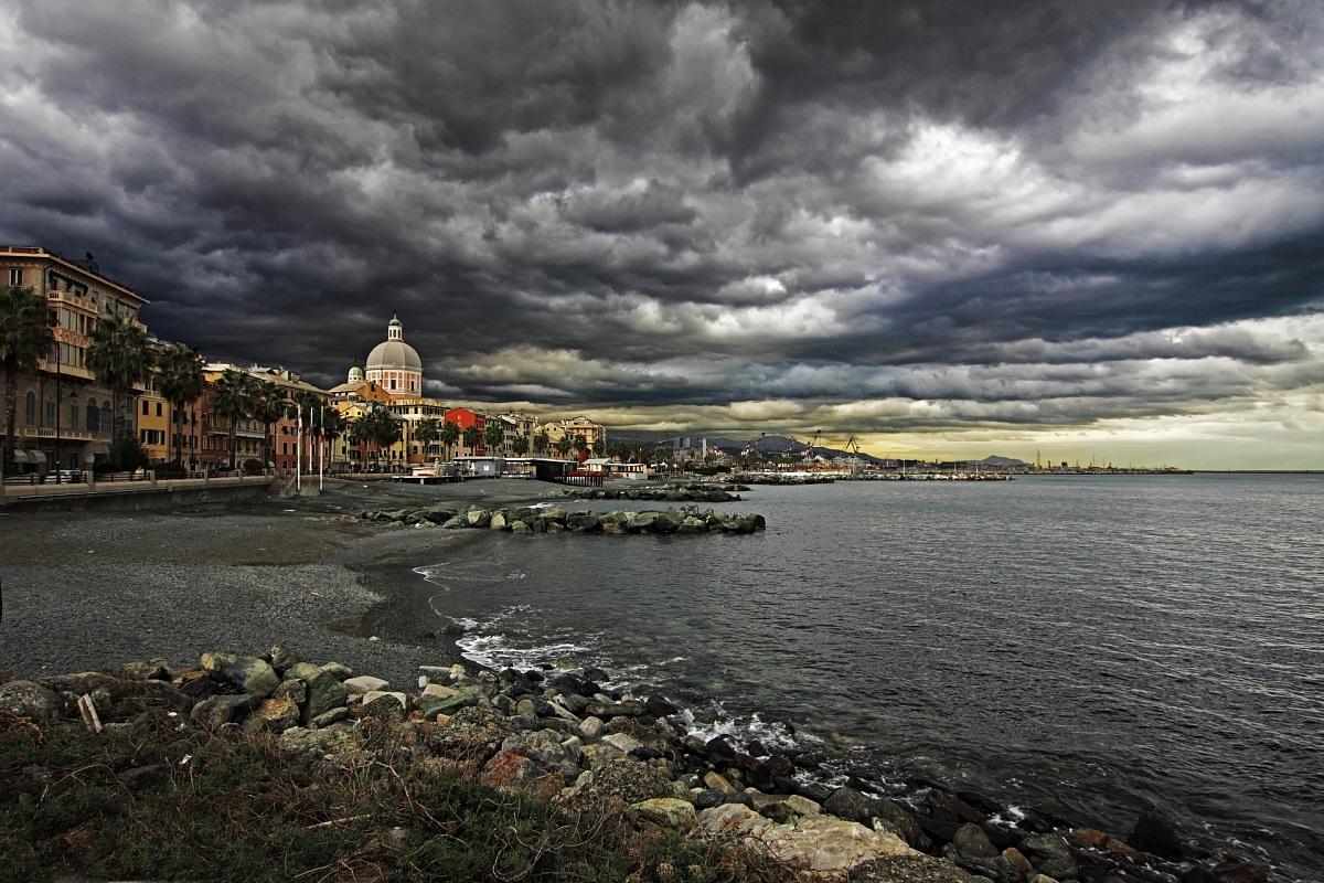 Genova pegli lungomare juzaphoto for Lungomare genova