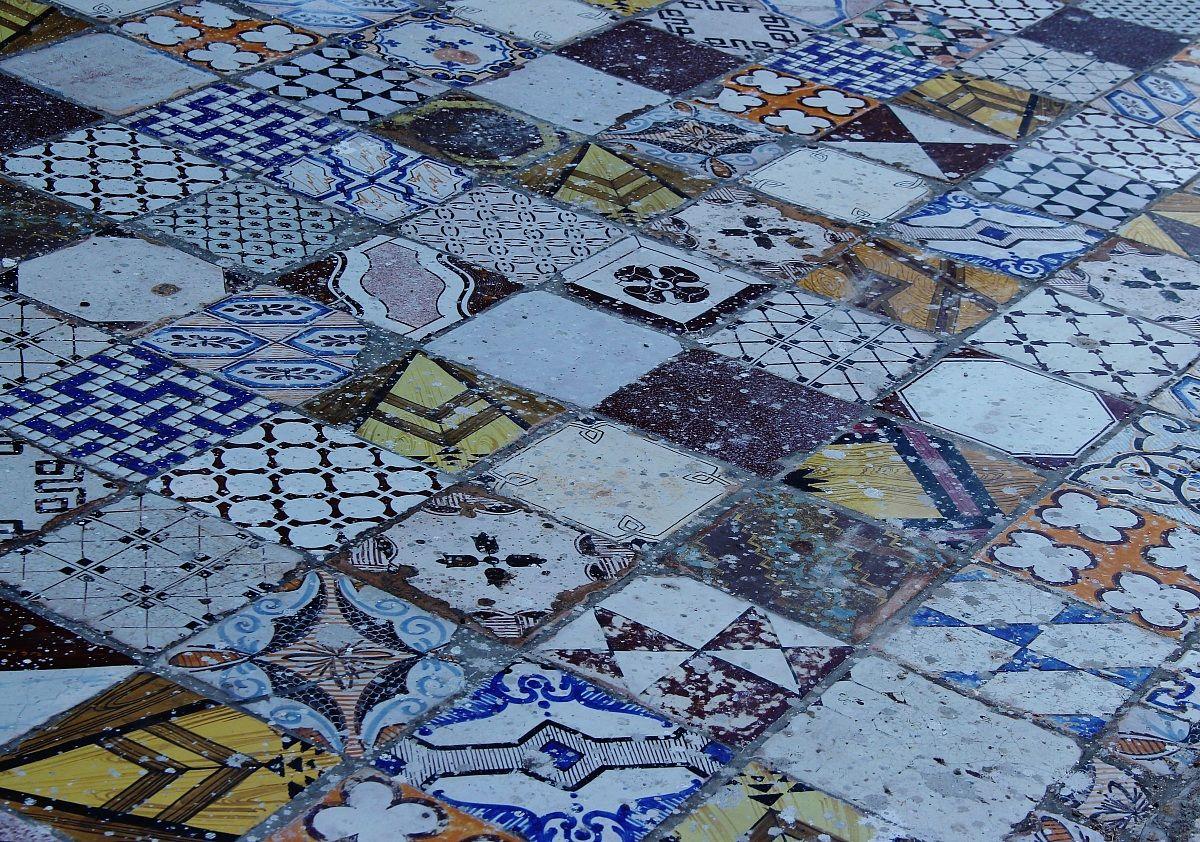 Piastrelle antiche juzaphoto - Piastrelle antiche cemento ...